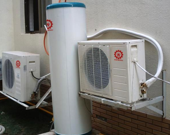 空气能热水器或机组的水箱应该怎么补水?
